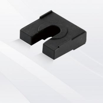 主母排夹黑垫块10mm